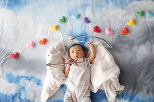 Οι σουρεαλιστικές περιπέτειες ενός μωρού