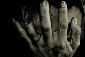 Πέθανε η σύζυγός του και προσπάθησε να αυτοκτονήσει
