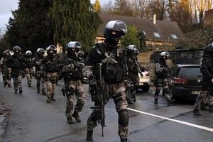 Δέκα οι συλληφθέντες της αντιτρομοκρατικής επιχείρησης σε Γαλλία και Ελβετία