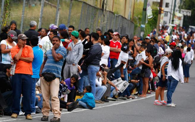 Εκατομμύρια Βενεζουελάνοι ετοιμάζονται να φύγουν από τη χώρα τους το 2019