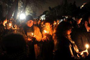 Συγκέντρωση με κεριά για την επιστροφή των γλυπτών του Παρθενώνα