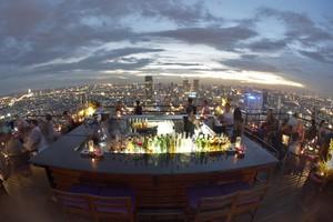 Πέντε εντυπωσιακά rooftop bars