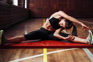Πέντε ασκήσεις για τόνωση και γράμμωση του σώματος