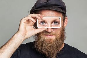 Γίνε το μάτι ενός τυφλού