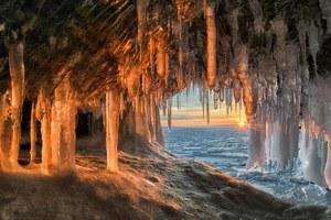 Μαγευτικές εικόνες από ένα παγωμένο ηλιοβασίλεμα