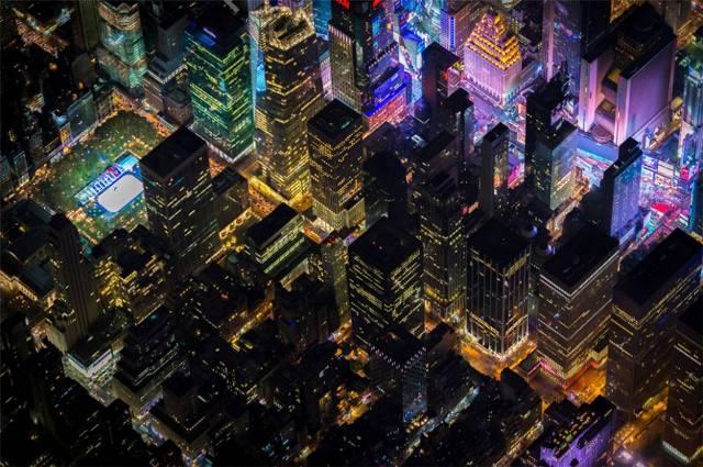 H νυχτερινή όψη της αμερικανικής μεγαλούπολης από ψηλά!Απίστευτες φωτογραφίες