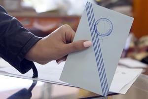 Απλήρωτοι οι δικαστικοί αντιπρόσωποι των εκλογών
