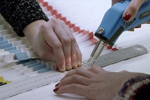 Το απίστευτο ταξίδι δημιουργίας ενός φορέματος υψηλής ραπτικής