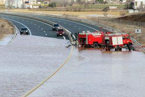 «Πλημμύρισε» η Εγνατία οδός στην Κοζάνη