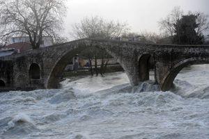 Έκτακτη σύσκεψη υπό τον Τσίπρα για τις πλημμύρες