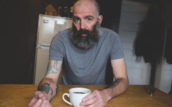 Ένας μπαμπάς κάνει τατουάζ τις ζωγραφιές του γιου του!