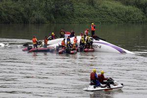 Στους 31 οι νεκροί από τη συντριβή του αεροπλάνου της TransAsia