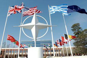 «Η Ελλάδα ρισκάρει τη θέση της στο ΝΑΤΟ»
