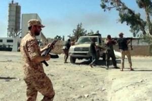 Δεκάδες άτομα σκοτώθηκαν σε συγκρούσεις μεταξύ δύο φυλών στη Λιβύη