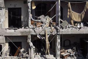 Αιματηρές επιδρομές με νεκρά παιδιά στη Συρία