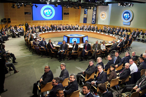 To ΔΝΤ, η Παγκόσμια Τράπεζα και οι οικονομικές γενοκτονίες