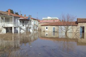 Ο Έβρος μετρά τις πληγές του από τις πλημμύρες