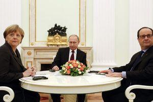 Ολάντ: Καθοριστικές οι επόμενες ημέρες για την Ουκρανία