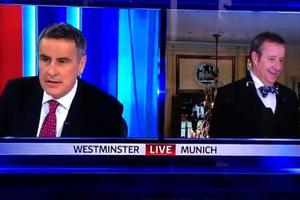 Η αντίδραση του προέδρου της Εσθονίας όταν δημοσιογράφος λέει λάθος το όνομά του