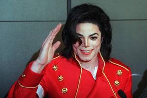 Ο ελληνικός ραδιοφωνικός σταθμός που ανακοίνωσε ότι δεν ξαναπαίζει Μάικλ Τζάκσον