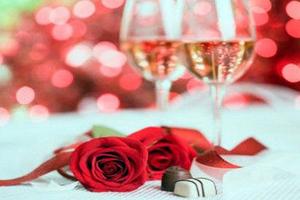 Πόσα χρήματα ξοδεύονται τη γιορτή των ερωτευμένων και πόσες προτάσεις γάμου γίνονται