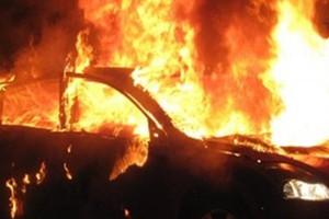 Πυρπόλησαν αυτοκίνητα του δασαρχείου στην Κόρινθο
