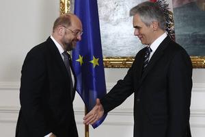 Φάιμαν και Σούλτς συμφωνούν: Ζήτημα σεβασμού μία ευκαιρία στην Ελλάδα