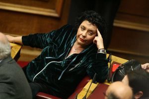 Κανέλλη: Μάνα του λόχου της Χρυσής Αυγής η Κωνσταντοπούλου