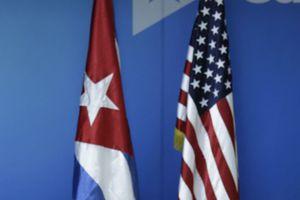 Χαλαρώνουν ακόμη περισσότερο τους εμπορικούς και ταξιδιωτικούς περιορισμούς στη Κουβά οι ΗΠΑ