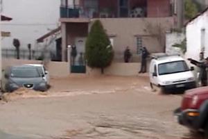 Πνίγηκε από τις πλημμύρες η Μάνδρα