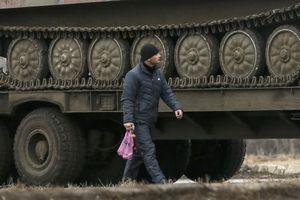 Έτοιμος να επιβάλει στρατιωτικό νόμο σε Κριμαία και ανατολική Ουκρανία ο Ποροσένκο