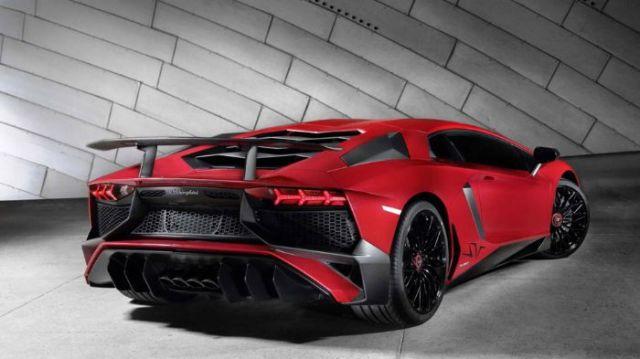 Με 750 ίππους η νέα Lamborghini Aventador Superveloce (pics)