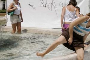«Καραβάνια» τουριστών χαμηλού οικονομικού επιπέδου στην Ελλάδα