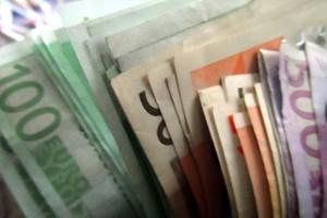 Τι αλλάζει στην προκαταβολή φόρου για τους επαγγελματίες