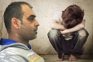 Τα «δωράκια» του παιδεραστή και οι νέες καταγγελίες
