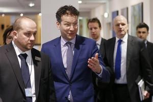 Η ώρα του Eurogroup με την «μπάλα» στους θεσμούς