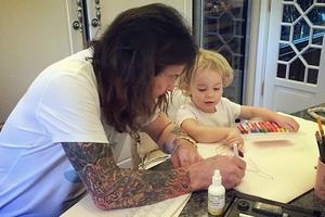 Ο σκληρός Ozzy Osbourne «λιώνει» με το εγγονάκι του