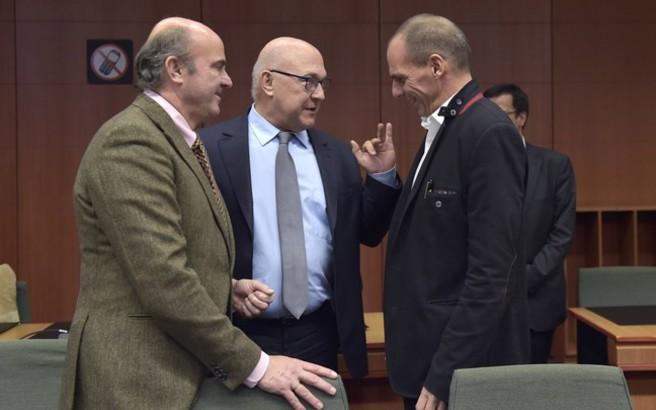 Bloomberg: Οι θεσμοί κρίνουν ερασιτεχνικές τις ελληνικές προτάσεις