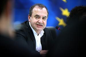 Στρατούλης: Η κυβέρνηση σφαγιάζει συντάξεις