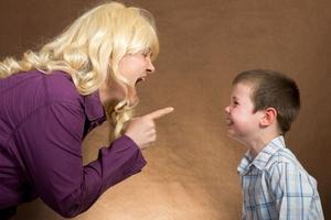 Γιατί δεν πρέπει να χτυπάτε το παιδί