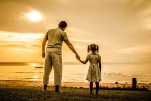Τι ζητούν οι κόρες από τους μπαμπάδες
