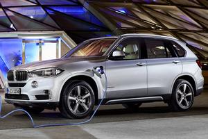 Πρεμιέρα για την υβριδική έκδοση της BMW X5