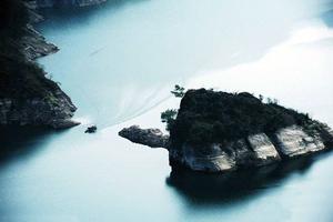 Το νησί που αναδύεται μόνο κάθε άνοιξη