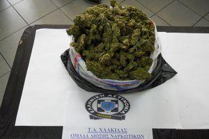Συνελήφθησαν στη Χαλκίδα με ένα κιλό κάνναβης