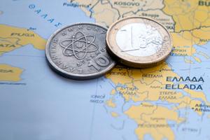Τι σημαίνει το διπλό νόμισμα στη ζωή των Ελλήνων και πώς μπορεί να εφαρμοστεί