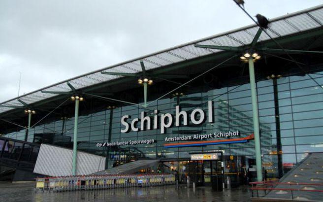 Πρόβλημα στο σύστημα ελέγχου καθηλώνει τα αεροπλάνα στο Σίπχολ