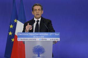 «Καθαρή» νίκη της δεξιάς στις τοπικές εκλογές της Γαλλίας