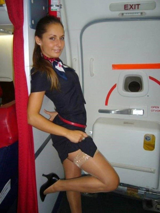 Οι πιλότοι κάνουν σεξ με αεροσυνοδούς.