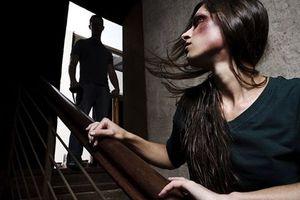 Περισσότερη στήριξη για γυναίκες θύματα βίας