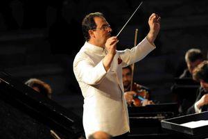 Συναυλίες στην Κρήτη με τον αρχιμουσικό Αλέξανδρο Μυράτ